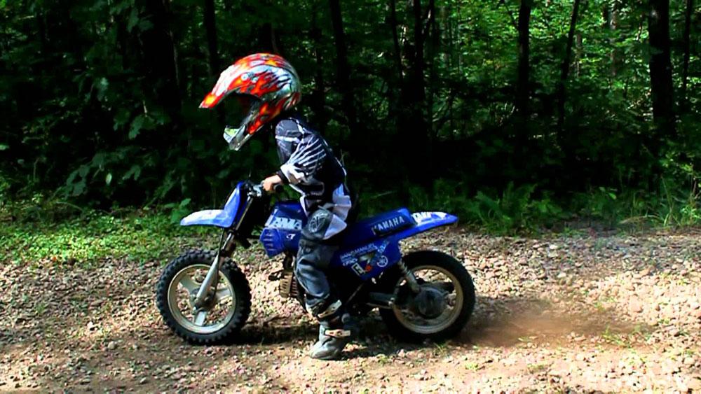 Lưu ý để bé chơi với xe moto điện trẻ em được an toàn 3
