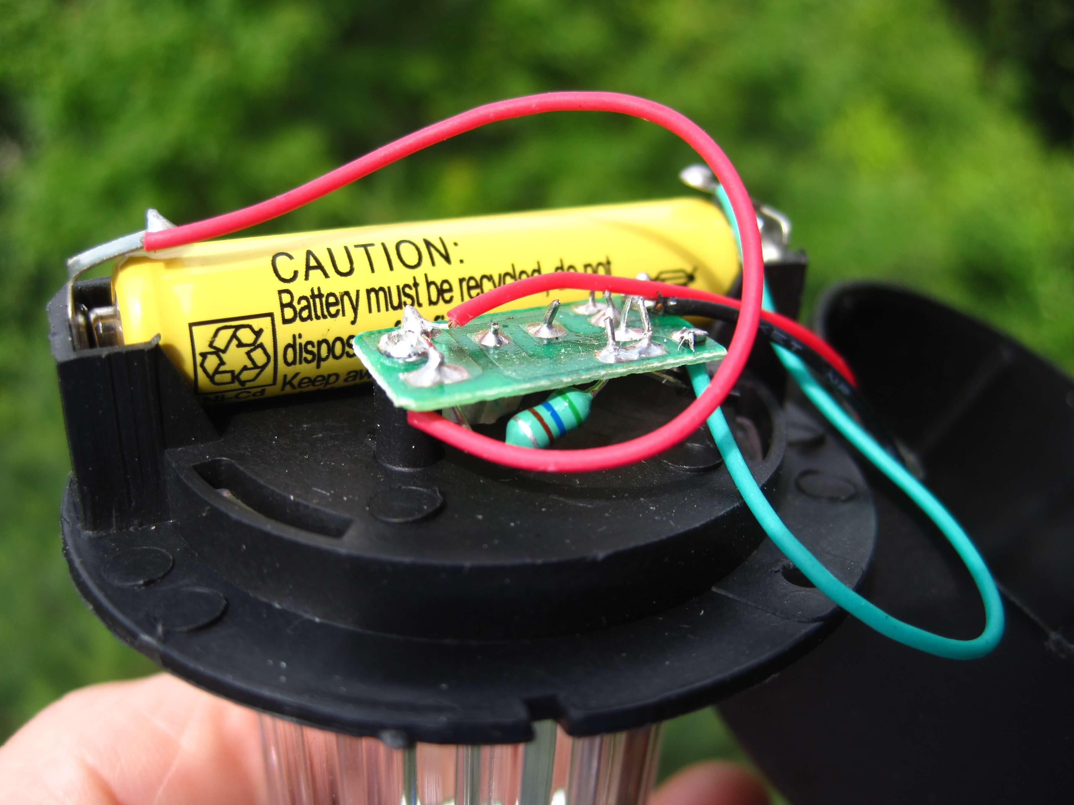 Pin của đèn Led sân vườn