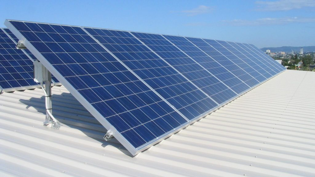 Năng lượng mặt trời được hấp thụ như thế nào?