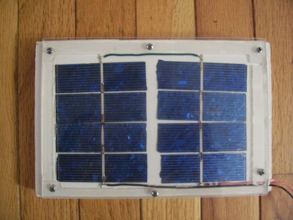 Cách chế bảng điều khiển năng lượng mặt trời