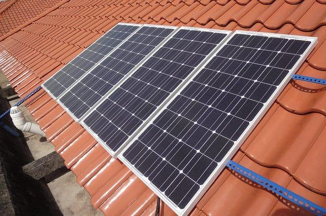 mua tấm pin mặt trời ở đâu