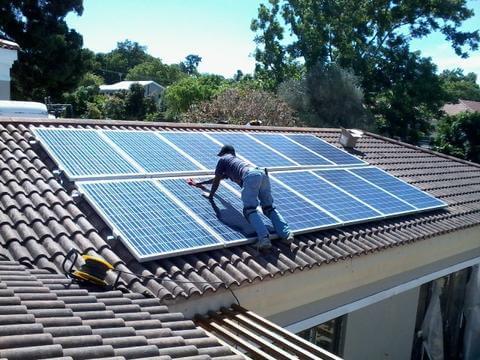 Giá hệ thống điện năng lượng mặt trời