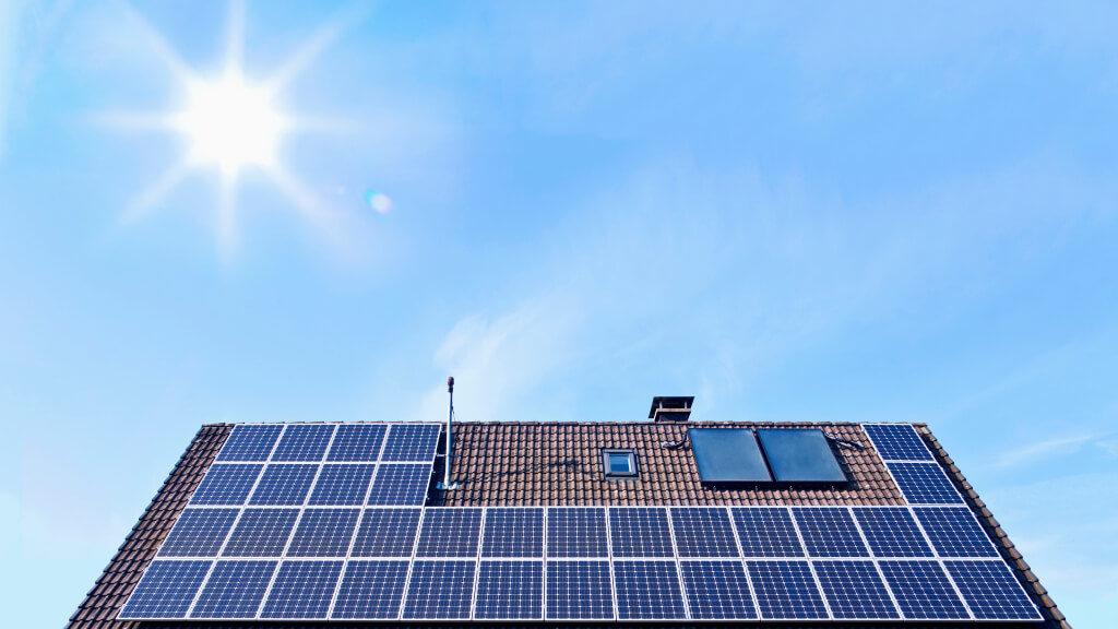 năng lượng mặt trời cho gia đình